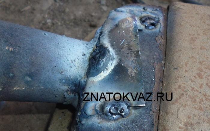 Ремонт прогоревшего глушителя, обвариваем жесть