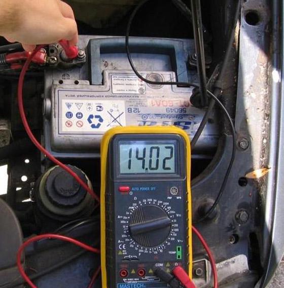 Измерение напряжения бортовой сети автомобиля