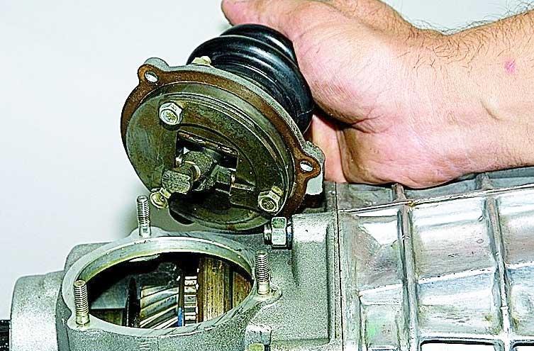 механизм переключения передач (кулиса) ваз 2107