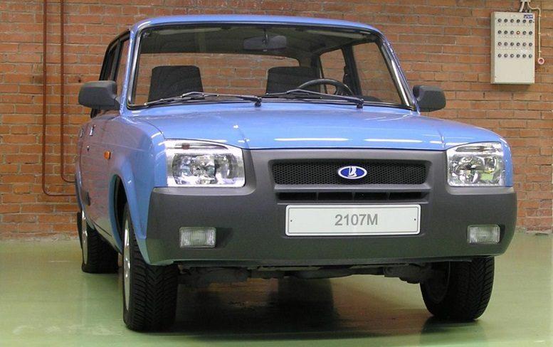 ВАЗ 2107М вид спереди