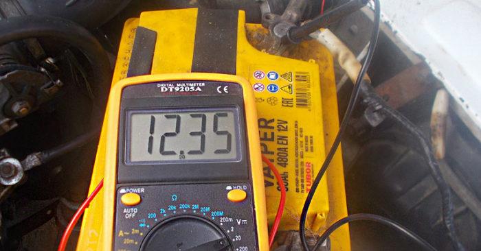 мультиметром проверить аккумулятор автомобиля